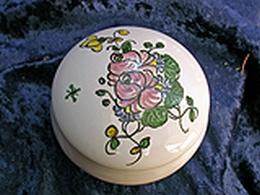 Boîte à pilule décor rose