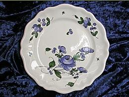 Assiette chantournée à la rose bleue