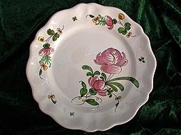 Assiette chantournée à la rose et pois de senteur