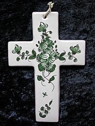 Croix faïence à suspendre décor à la rose verte