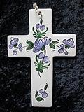 Croix faïence à suspendre  renoncule pois de senteur bleu